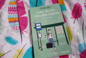 Przystanek szkoła. Lena, teczka i niezwykła nagroda – Karolina Kwaśnik